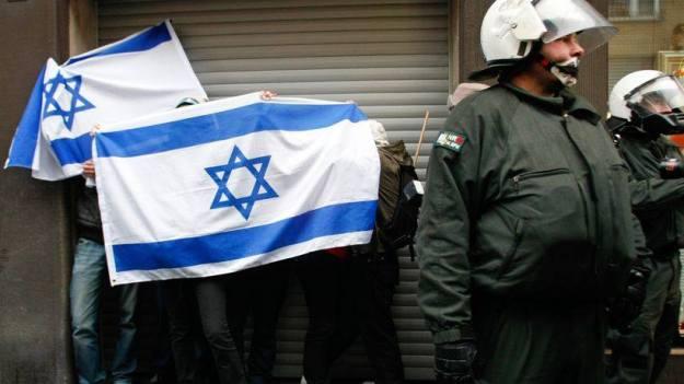 Am Rande einer antisemitischen Demonstration in Duisburg, 2009